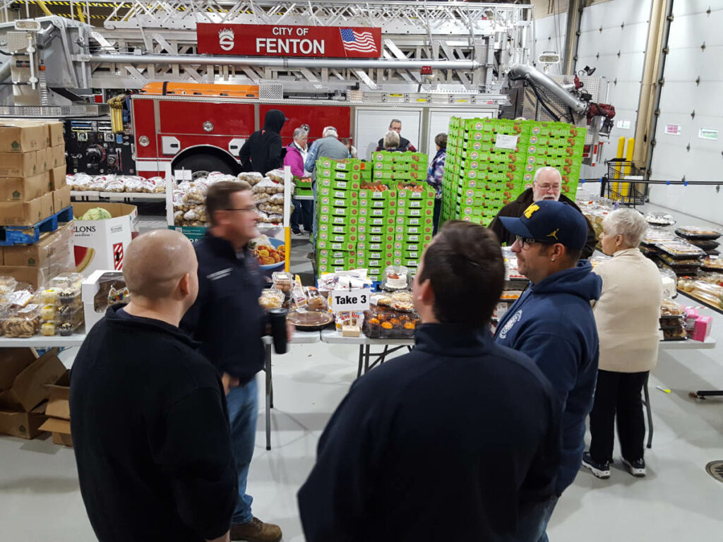 Food_Give_Away-Oct2019_Fenton_Fire_Fighter_Charity (9)