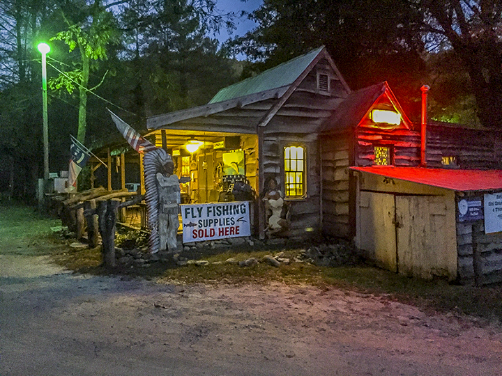Betsey's Ole Country Store and Rental Cabins.