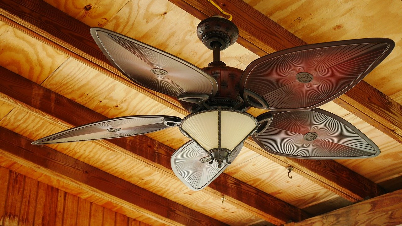 keep home cool in hot weather tips