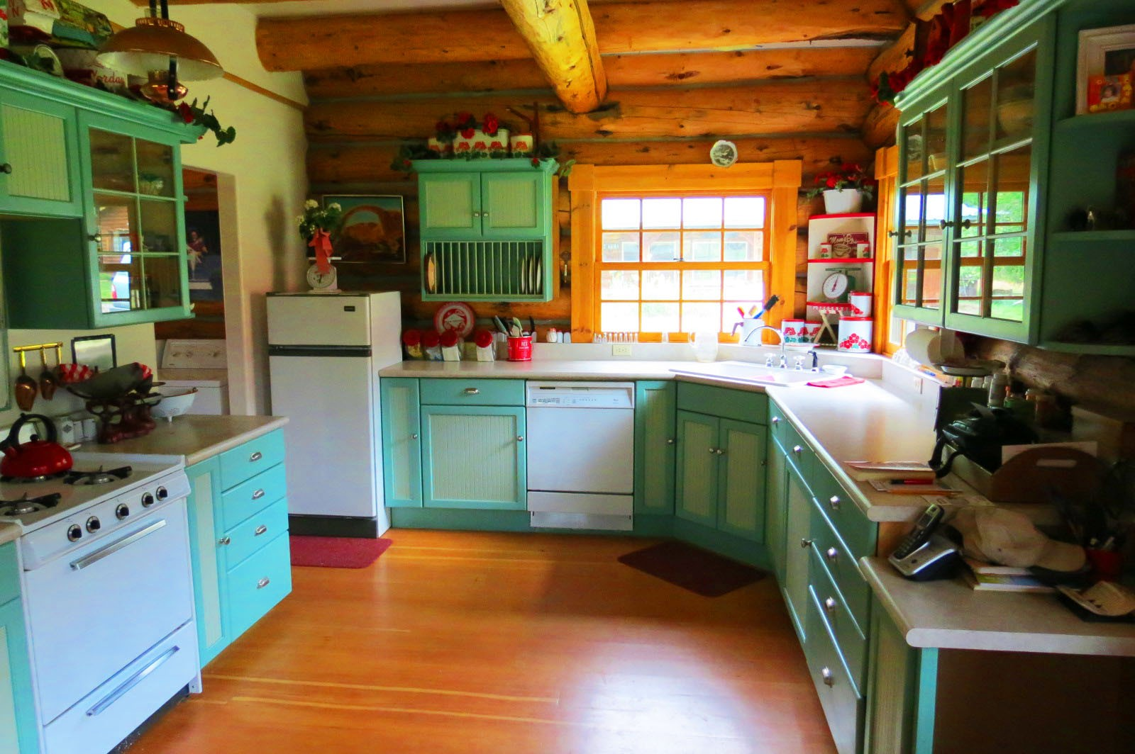 Minne Cr kitchen 1