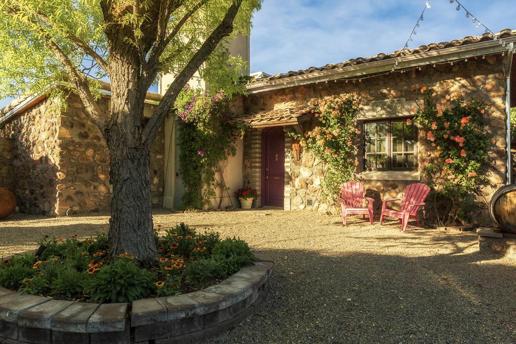 Azura Courtyard 1