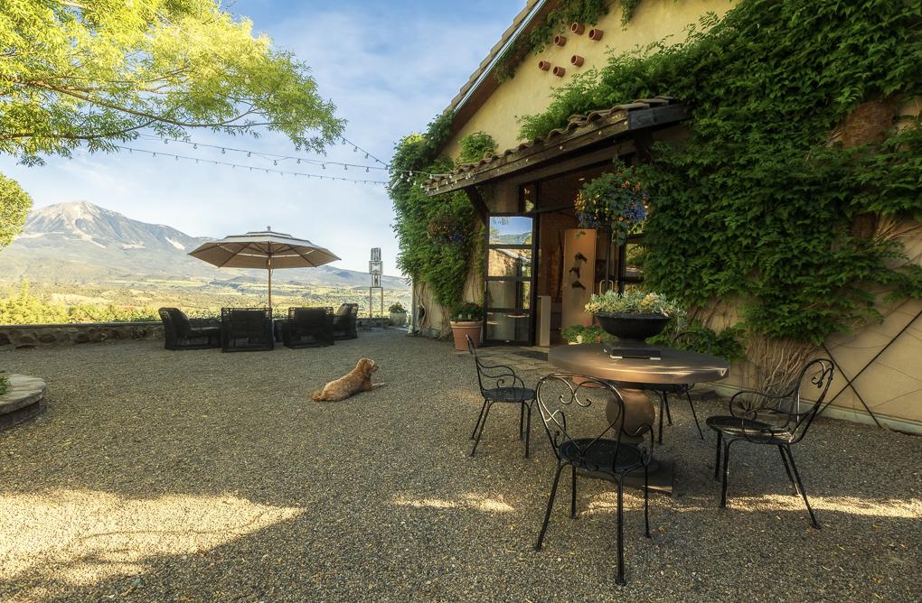 Azura Courtyard 3