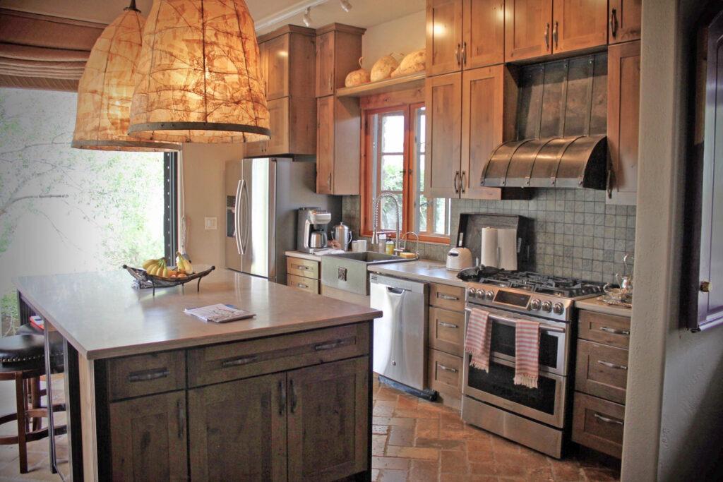 kitchen w lamps