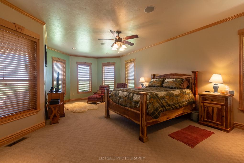 Loma Master Bed 1