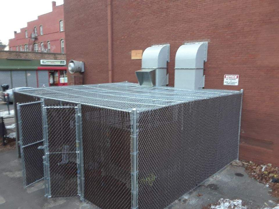6_ H Chain Link Enclosure With Security Top