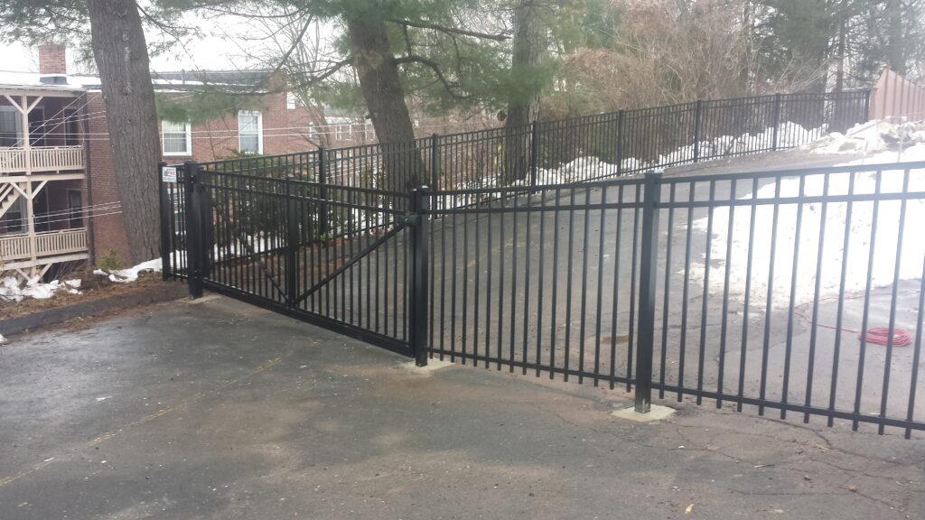 Commerical Grade Aluminum Gate