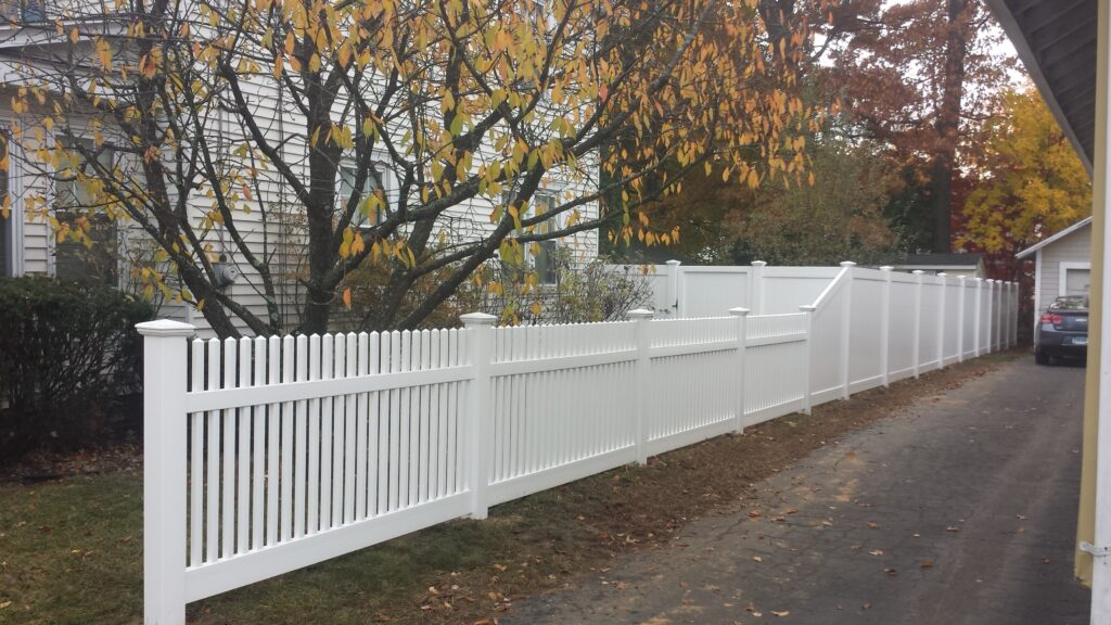 Solid White Privacy Vinyl Transition Into Picket
