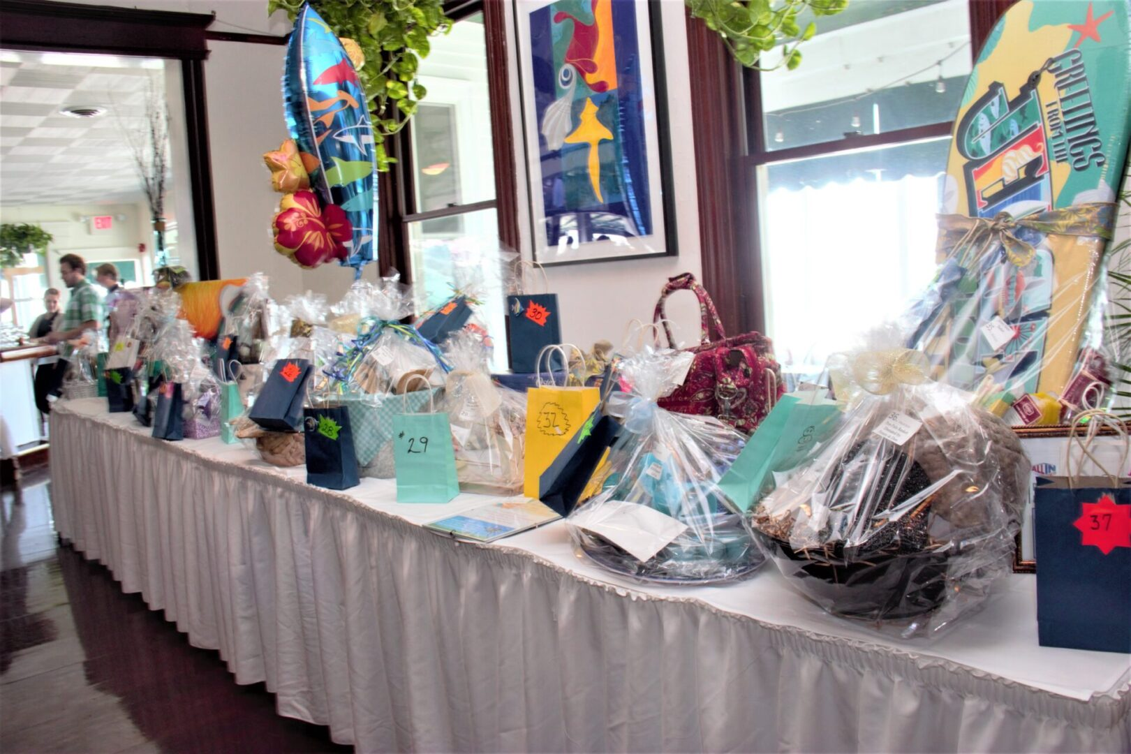 Gift Auction Table