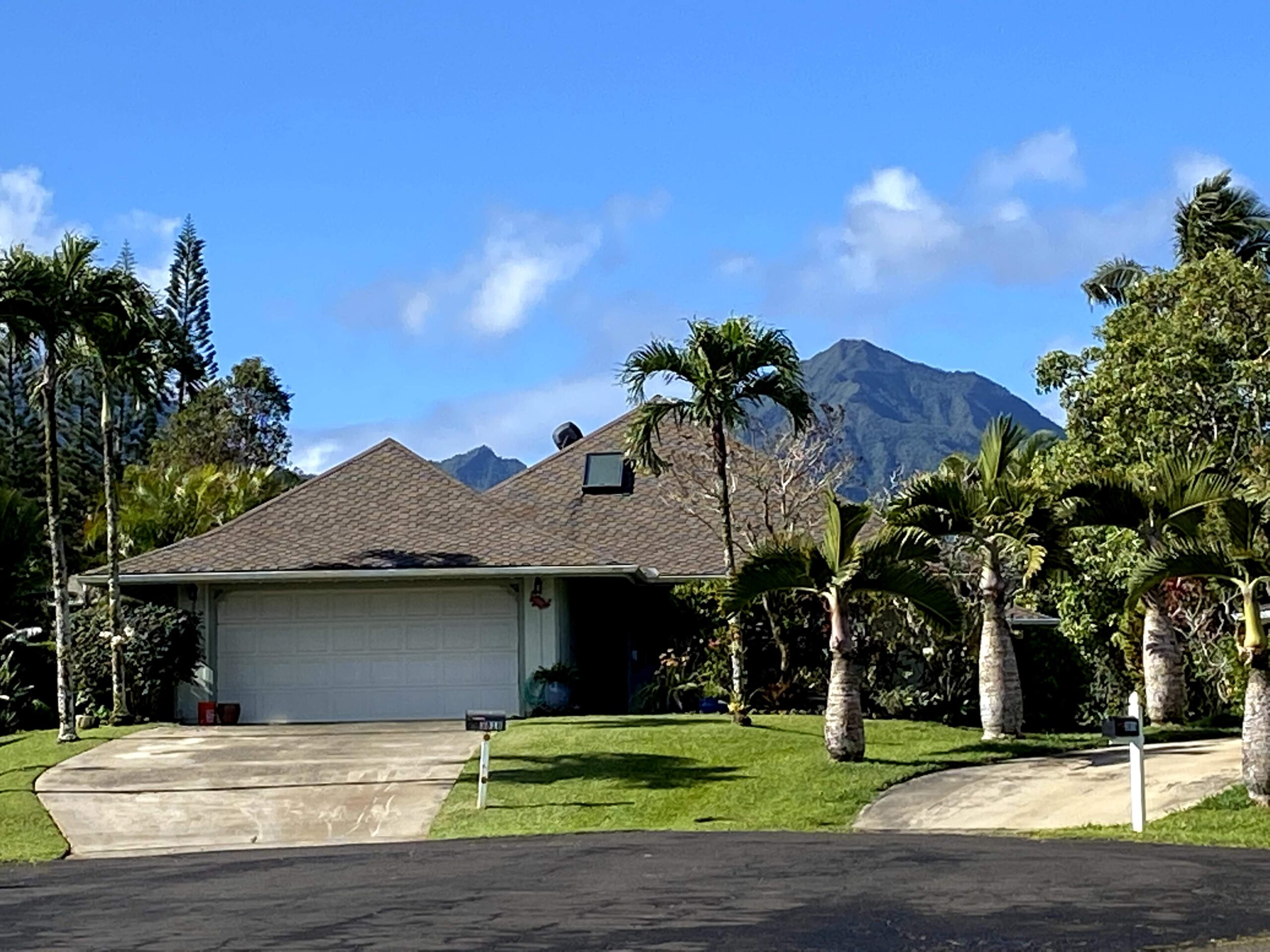 Front view of our Kauai Vacation rental home