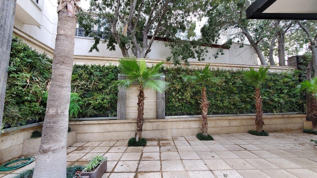 Elahieh Home Yard