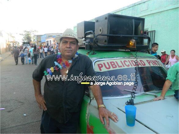 """«Esto es Zaraza en Carnaval"""": allá viene el Pollo Pinto en su carro verde"""