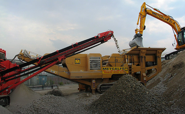 Aggregate supply and material recycling