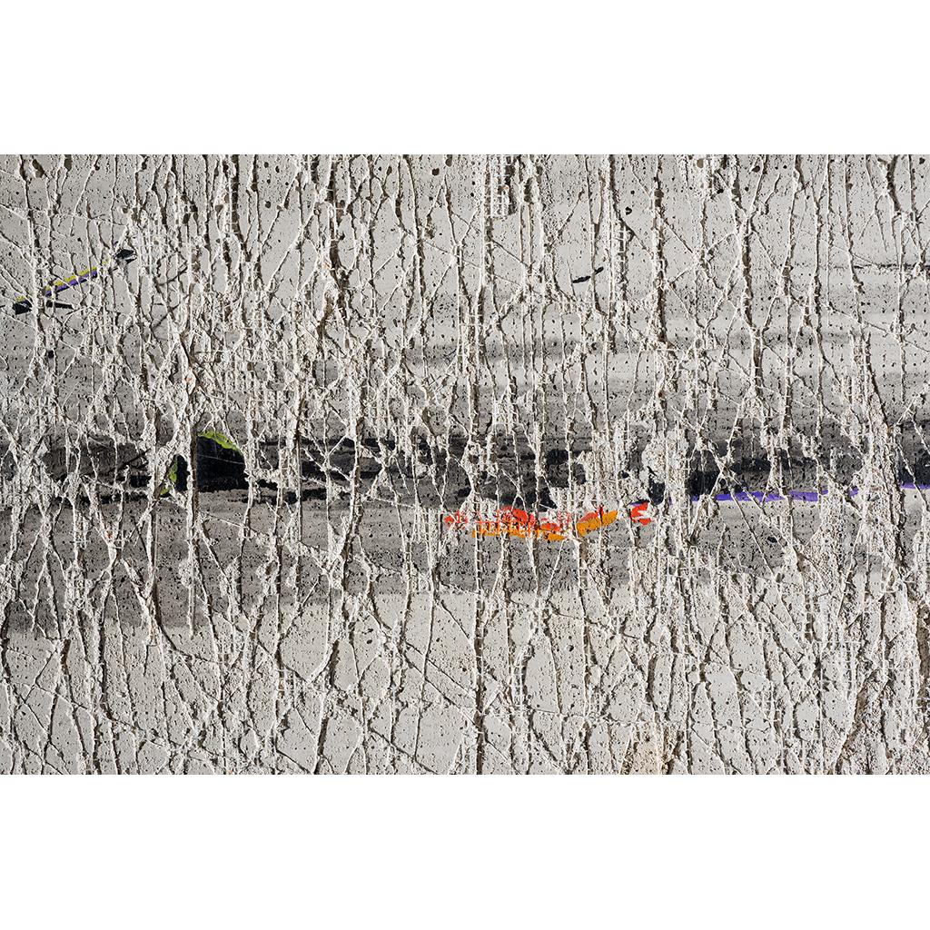 Crumbling, detail