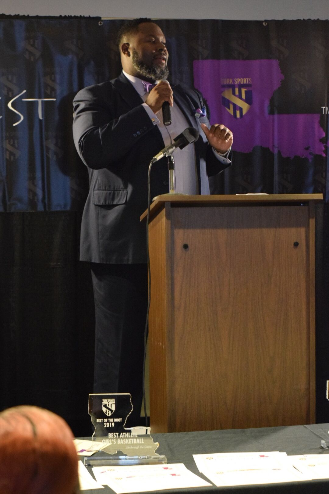 2019 Keynote Speaker Bernard Robertson addresses the audience.