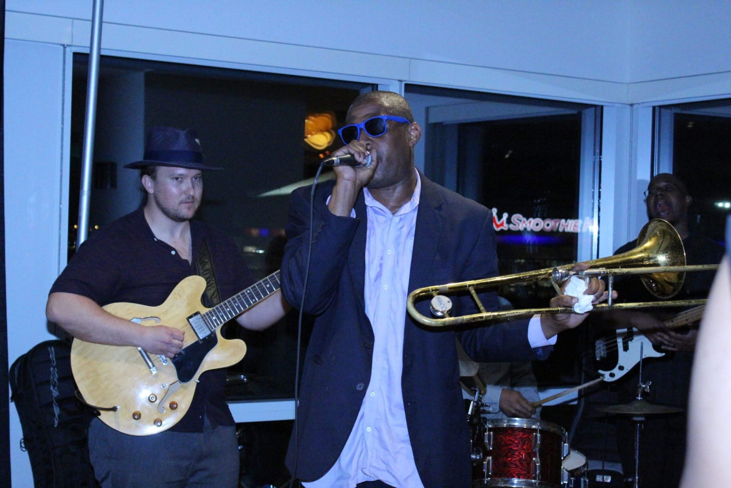 Special Guest Glenn David Andrews performs live