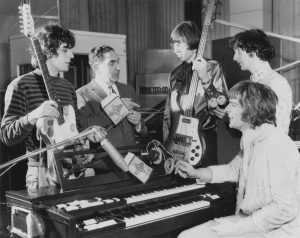 Pink Floyd Roger Waters Syd Barrett using Rotosound strings at Abbey Road Studios 1967