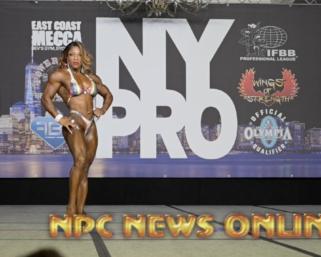 2020 IFBB Pro League NY Pro Women's Bodybuilding Winner Mayla Ash Posing Routine.