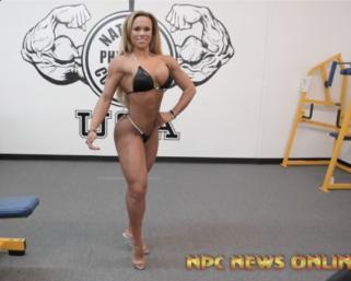 Road To The IFBB Pittsburgh Pro 2021 Nikki Giacara Posing