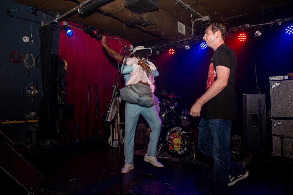 Gardenia performing