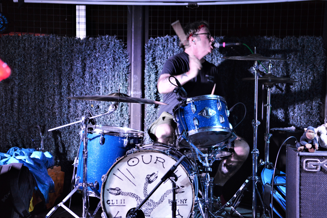 Mikey Erg performing