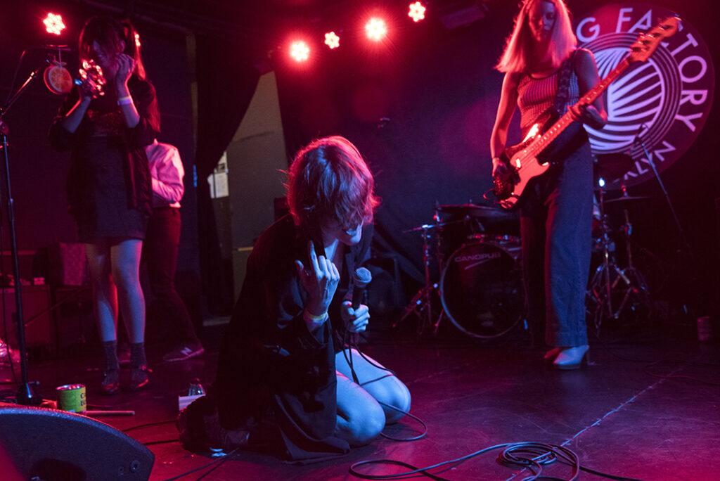 Gustaf performing