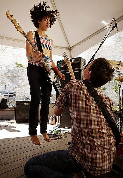 Kathy Foster of The Thermals performing