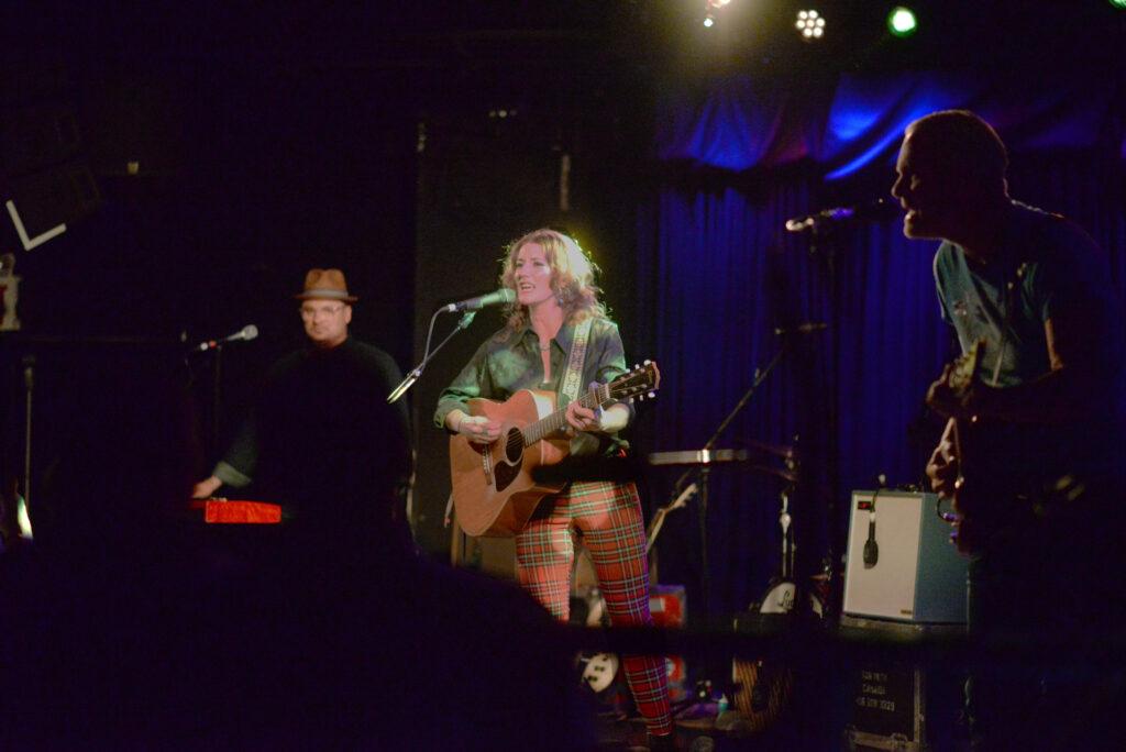 Kathleen Edwards performing