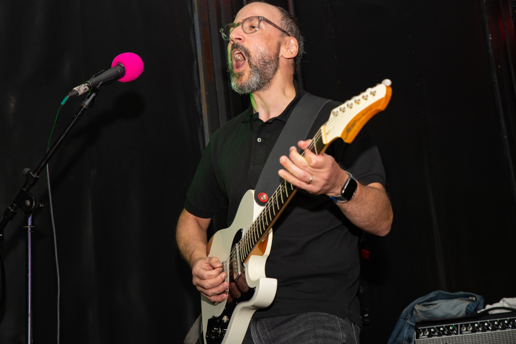 Les Savy Fav performing