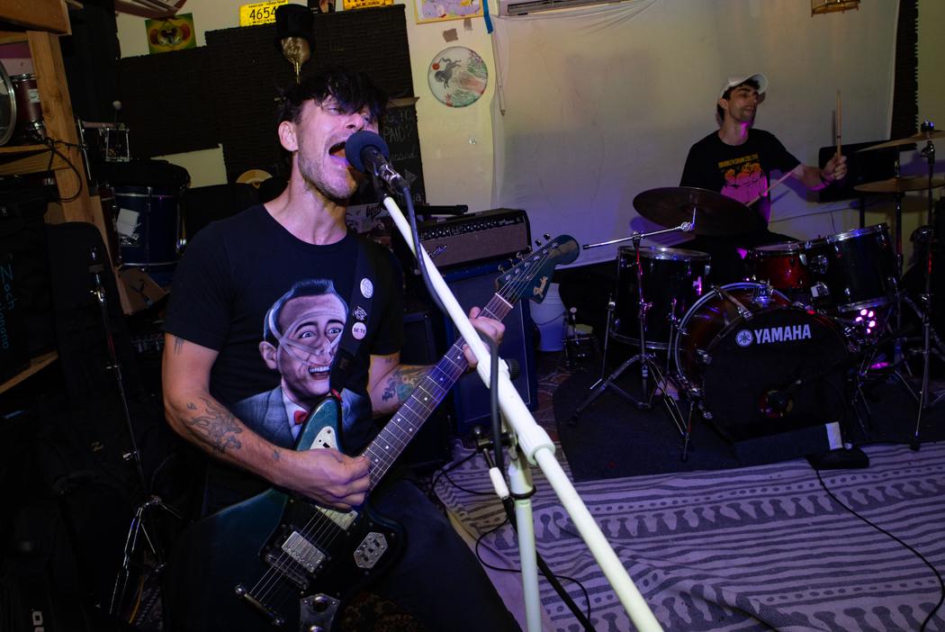 Nihiloceros performing