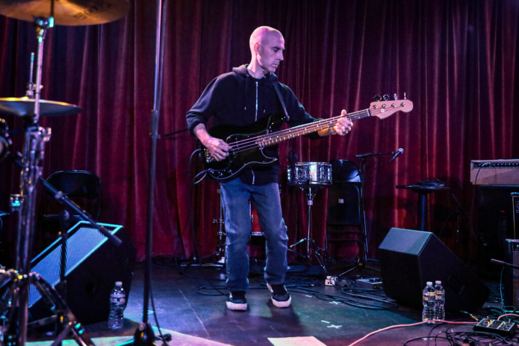 Messthetics performing
