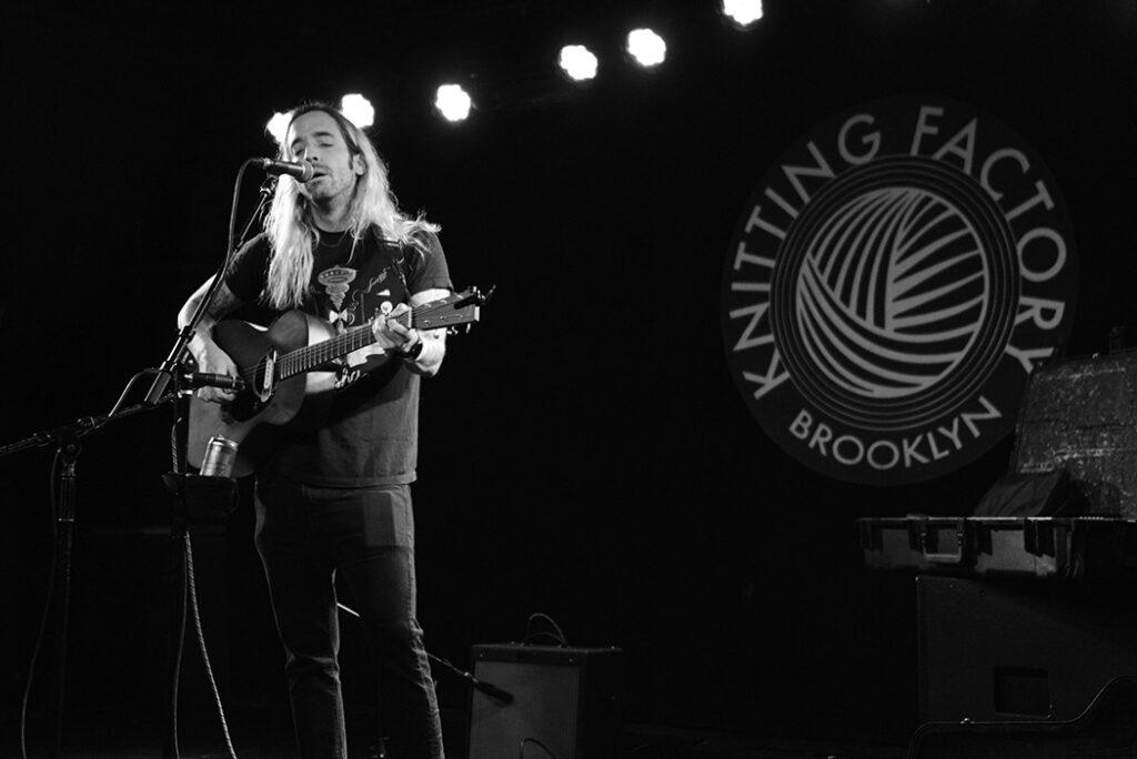 Jose Prieto performing