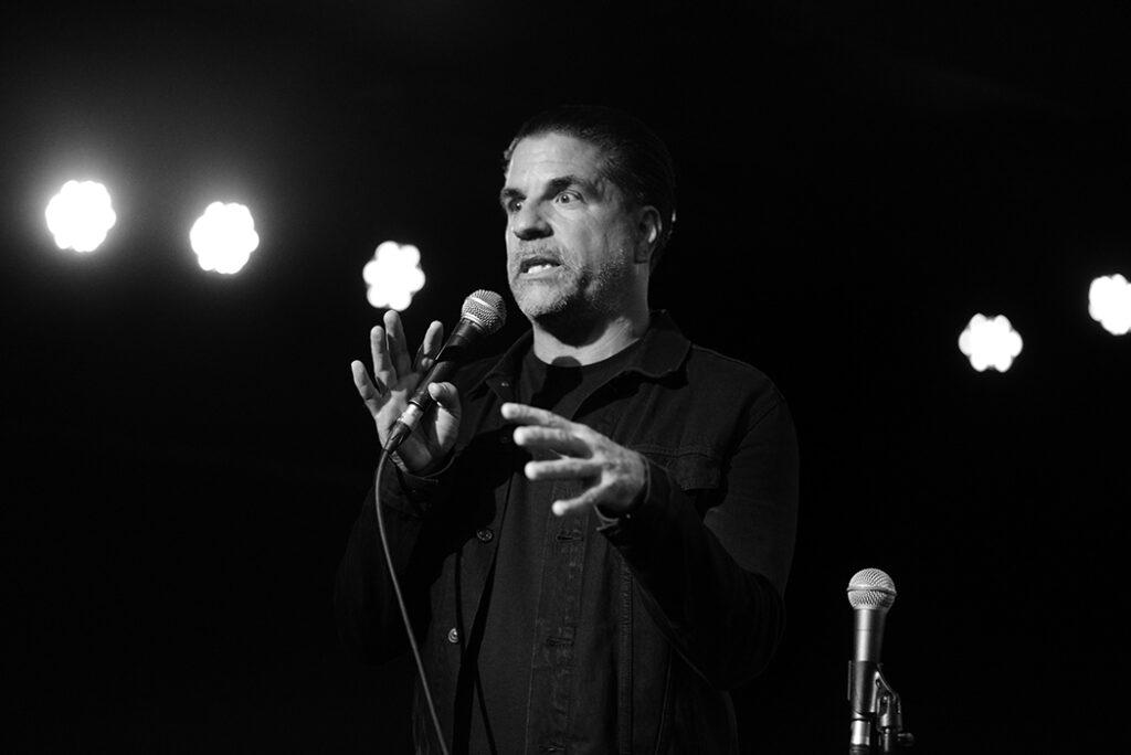 Joe Sib performing