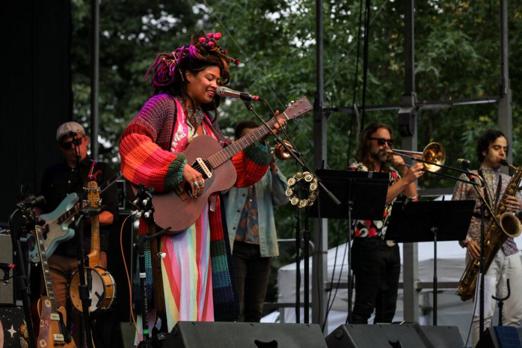 Valerie June 16Valerie June performing