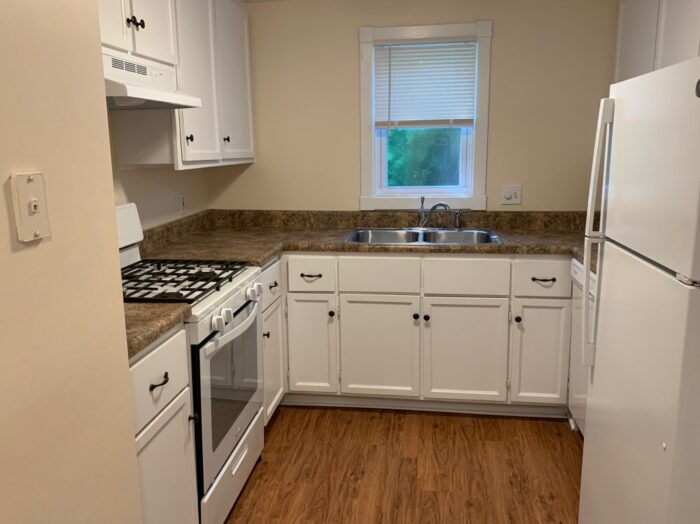 611 Garfield Ave, Edwardsville, IL Kitchen