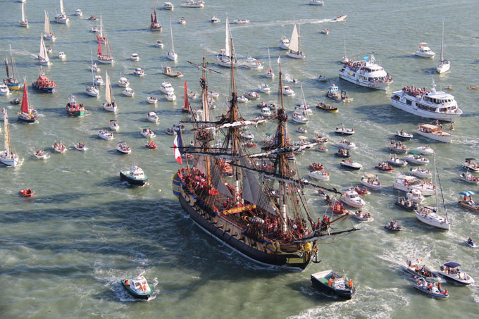 Dockside_tall-ships-philadelphia-680uw