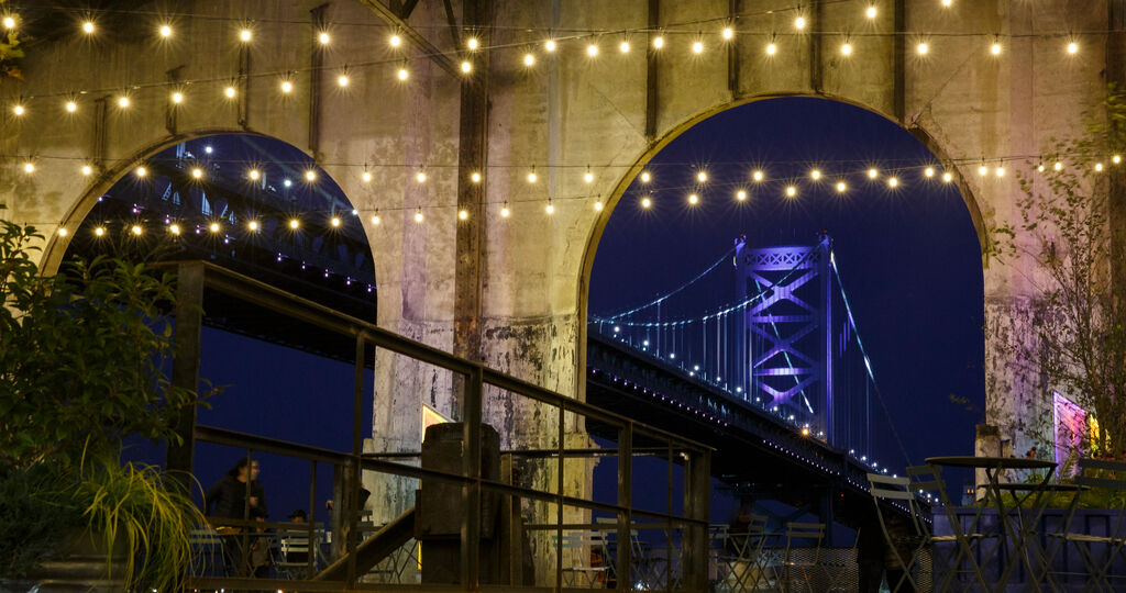 Photo of the Benjamin Franklin Bridge at the Cherry Street Pier