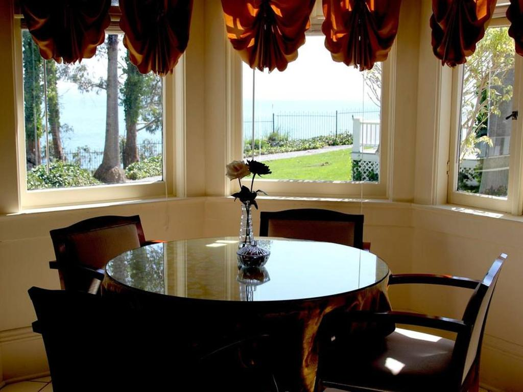 Monarch Cove Inn
