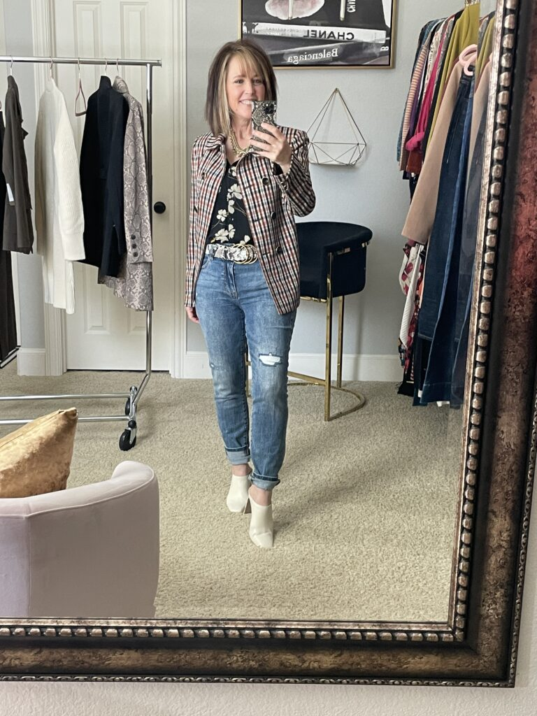 Plaid and floral outfit on pretty woman