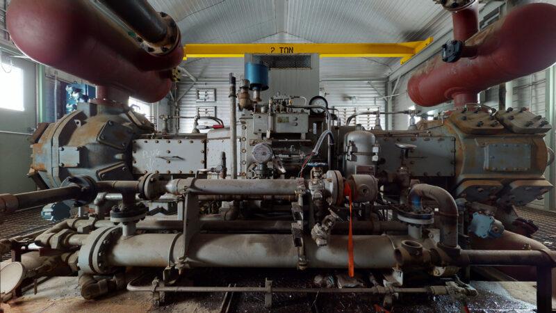 800HP 22% Sour Electric Reciprocating Compressor - interior 1