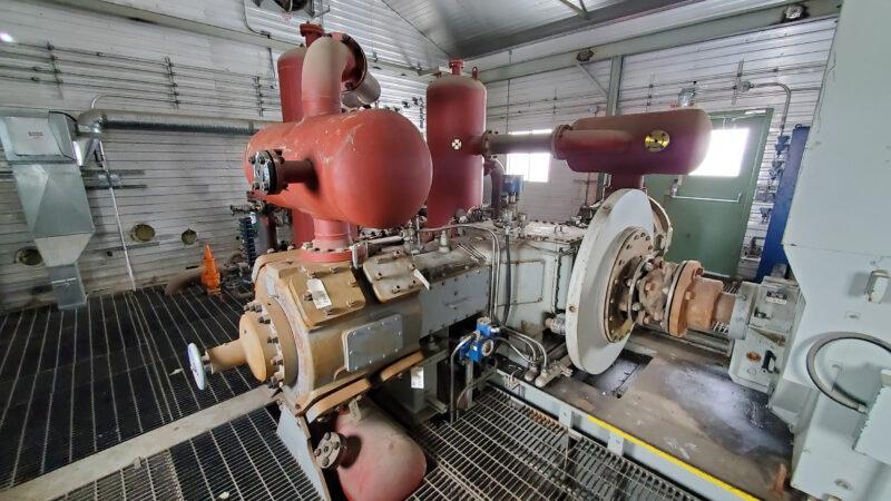 800HP 22% Sour Electric Reciprocating Compressor - interior 7