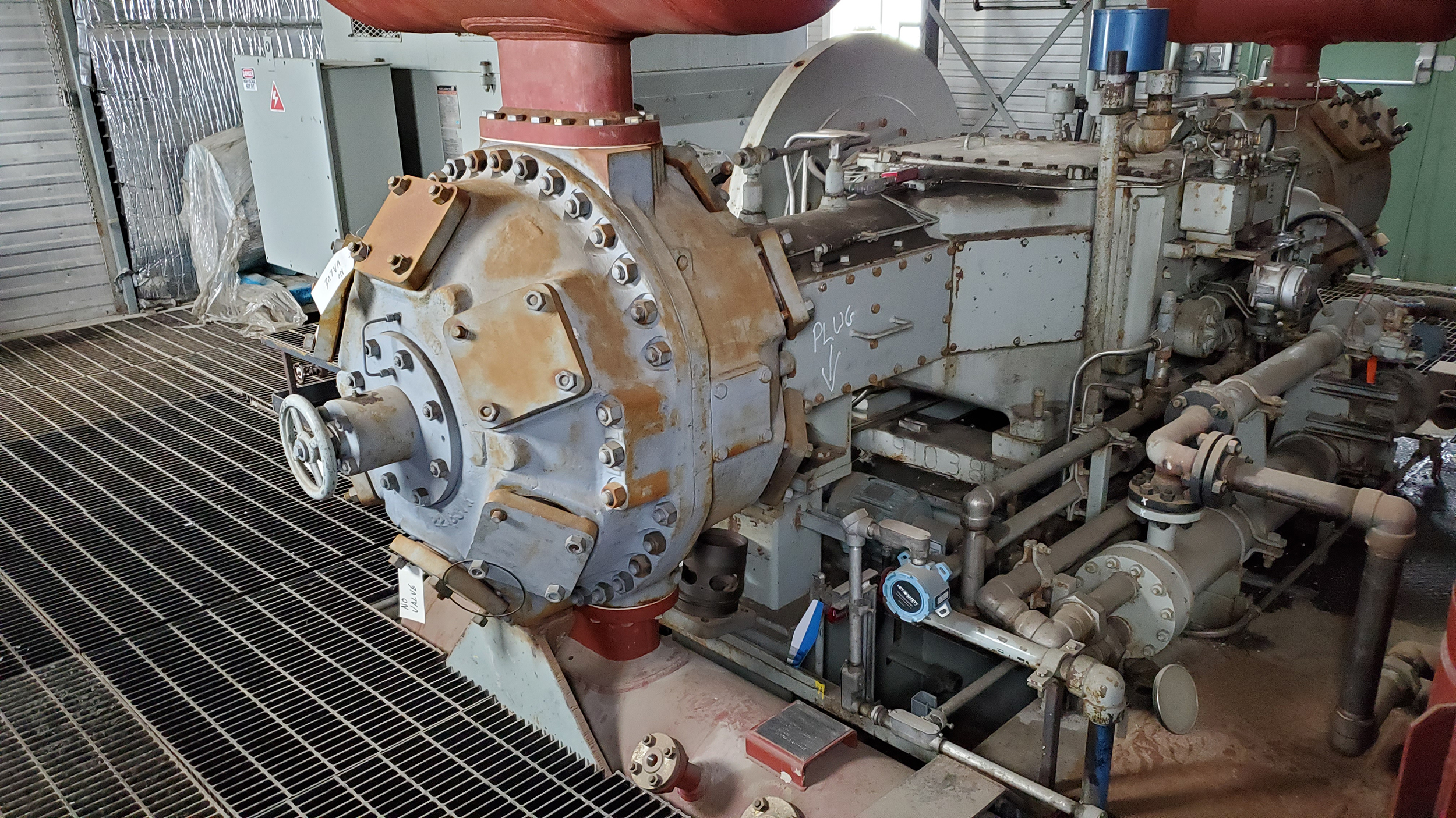 800HP 22% Sour Electric Reciprocating Compressor - interior 12