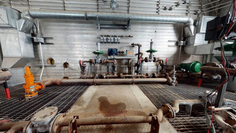 800HP 22% Sour Electric Reciprocating Compressor - interior 15