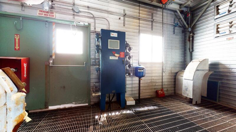 800HP 22% Sour Electric Reciprocating Compressor - interior 16
