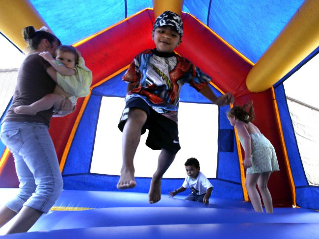 inflatable-bounce-house-party-rental-in-west-virginia