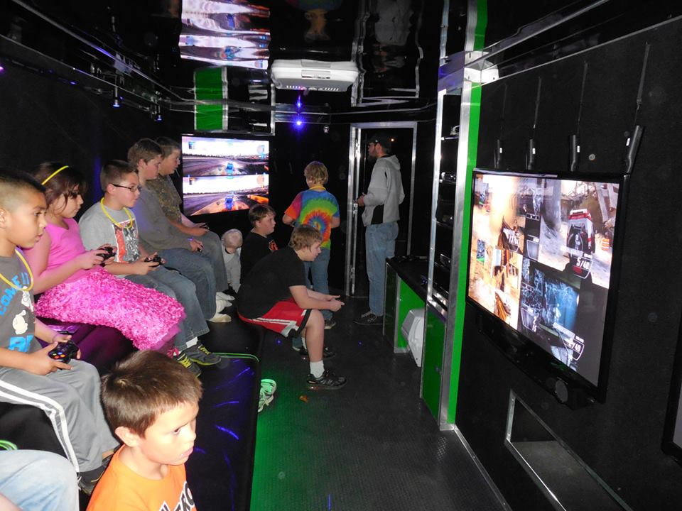 west-virginia-video-game-truck-trailer-birthday-party