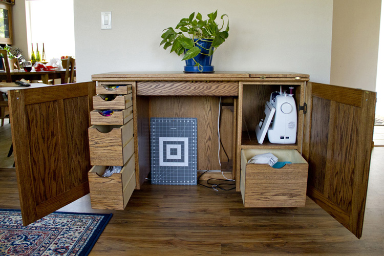 Amazing Sewing Table!
