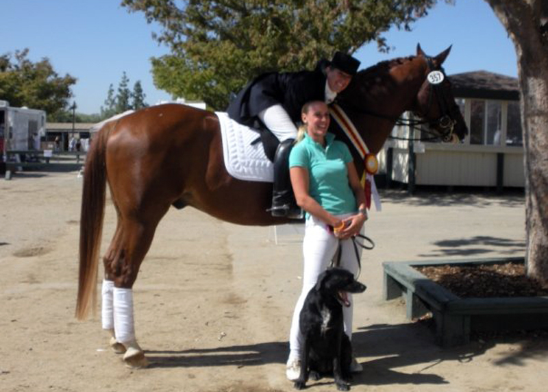 2009 CDS/USDF Championships, 10/01/09 - Angie and Rondo celebrate with Verena
