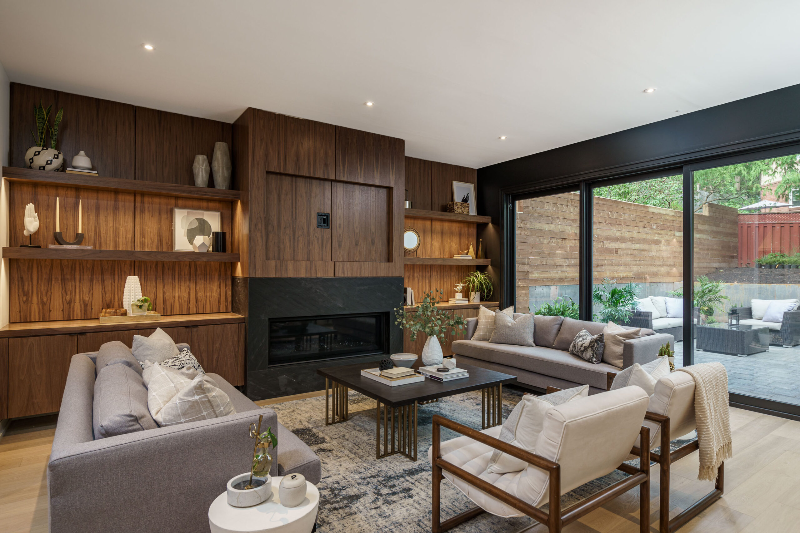 The Design District Limited, offering home staging decors
