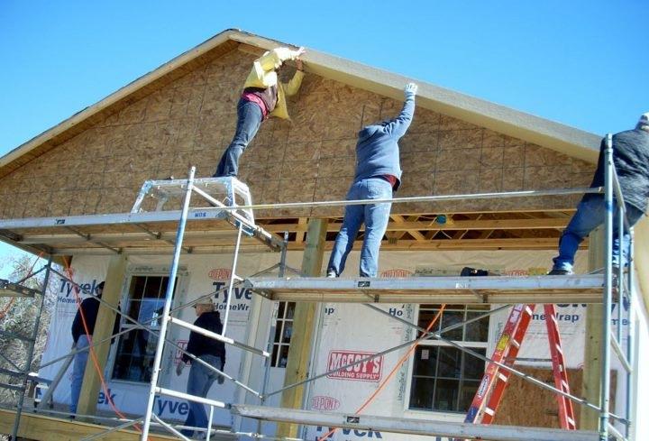 Disaster recovery volunteers