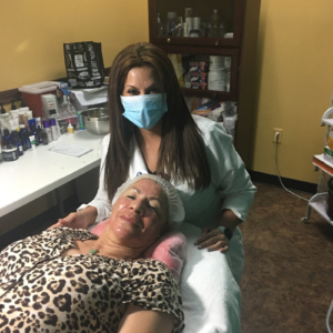 Ivette with a happy client at Bellissimo You